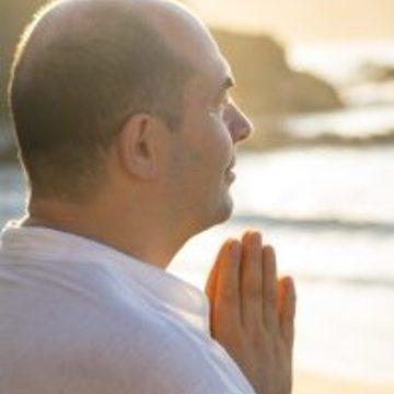 """<a href=""""https://hridaya-yoga-fr.secure.retreat.guru/teacher/sahajananda/"""">Sahajananda</a>"""