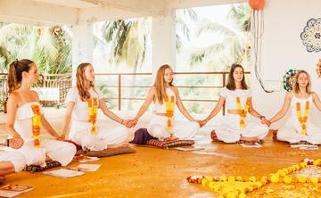 Upaya Yoga Bali Transformational 200Hr, 22 Day Yoga Teacher Training Canggu