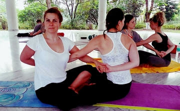200 hrs Hatha Yoga Teacher Training in Rishikesh India