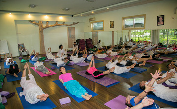 200 Hour Yoga Teacher Training Course in Rishikesh India 2018