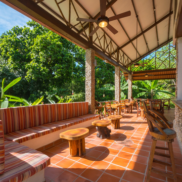 Istmo Yoga & Adventure Retreat Center