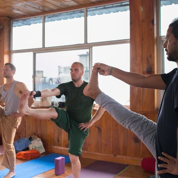 200 Hour Yoga Teacher Training Program in Rishikesh in January 2019