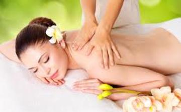 Ayurvedic Warm Oil Massage for Balance and Relaxation