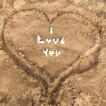 In Love with Life – an Ecstatic Relating Retreat