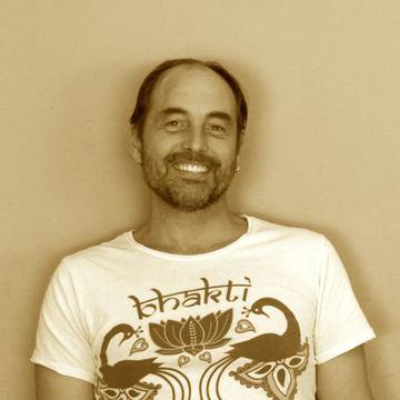 Saul David Raye