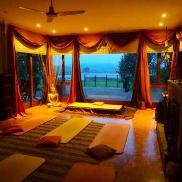 Pathways Country Yoga Retreat