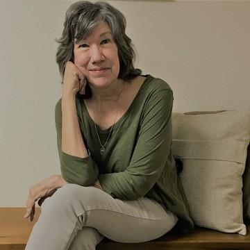 Linda L. Davis, MSW, RYT