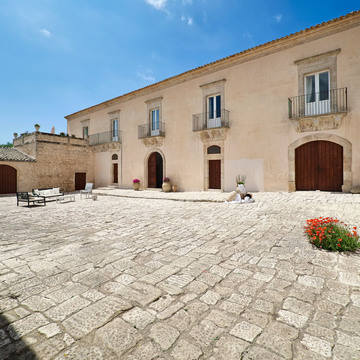 Yoga retreat Ragusa Sicily, Italy (ongoing)