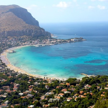 4 Days Yoga Retreat and Exploring Tours in Stunning Sicily, Italy