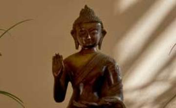 The Barn: Making Less the Suffering – with Ajahn Jutindharo (6 nights)