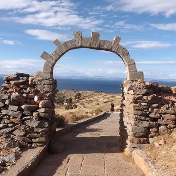 Silent Meditation Retreat at Lake Titicaca (every full moon)