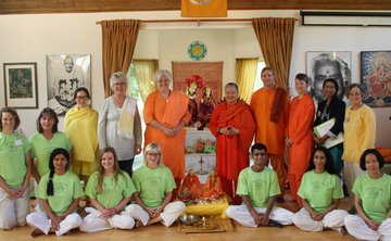 800-Hour Professional Sivananda Yoga Health Educator Training