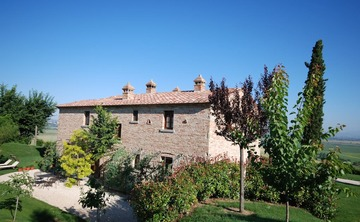 Premium Yoga Retreat Cortona Tuscany Italy (Apr - Sept)