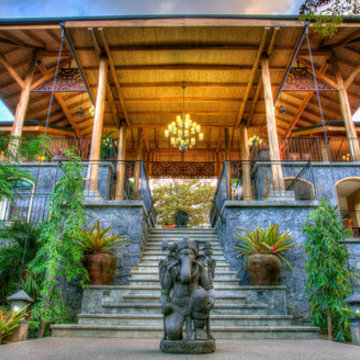 ENTREPRENEURSHIP & WELLNESS RETREAT with Brendan Burns and Amanda Huggins in Costa Rica