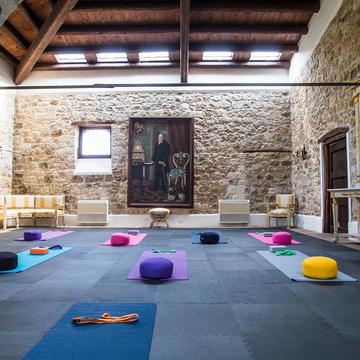 """""""Sparkle & Glow"""" Yoga & Bodymind Retreat Sicily"""