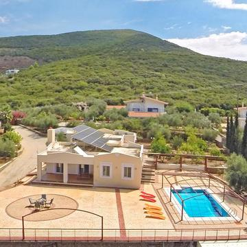 Luxury Retreat Peloponnese, 7 Day Fitness, Yoga, Pilates, Hiking, Detox, Tours.