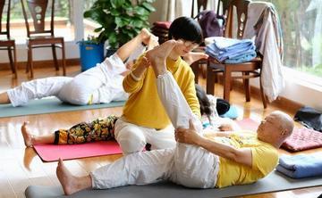 Yoga Health Intensive: Yoga for back Pains