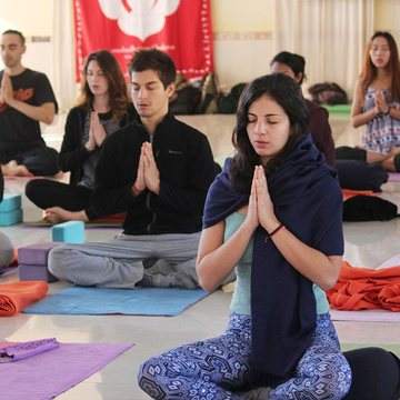 200 Hour Yoga Teacher Training Course in Rishikesh India 2019