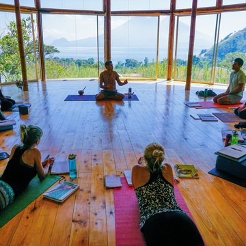 21 Days 200-Hour Yoga Teacher Training in Guatemala (April 2019)