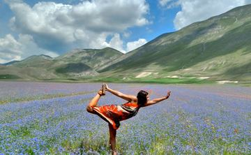 Premium Yoga Retreat San Flaviano Umbria Italy (Aug & Oct 2019)
