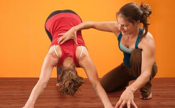 200-Hour Yoga Teacher Training with Jacqui Bonwell & Erica Magro
