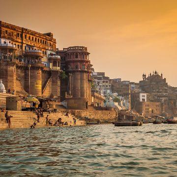VARANASI:  Shiva/Shakti Rasa – Living Yoga Full Moon Retreat in Varanasi