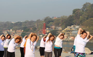 29 Days 300-hour Yoga Teacher Training Scholarship in India