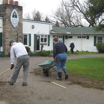 Five Oaks Volunteers – Gardening Days