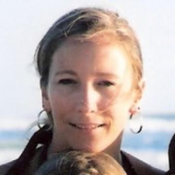 Vanessa Kent, Yoga Instructor MV Yoga, MA