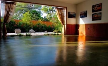 Bliss in the Chakras : A 5 Day Hawaiian Retreat
