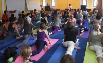 14 Days Yoga Course for Beginners in Rishikesh, India