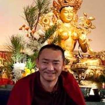 Dilyak Drupon Rinpoche