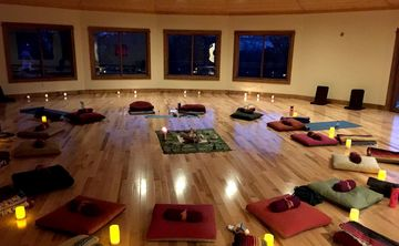Fall Into Sensation – Yoga Retreat