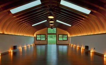 Week in Paradise: Maui Yoga Retreat with Lainie Devina | Best Yoga Retreats in Maui, Hawaii | Seek Retreat