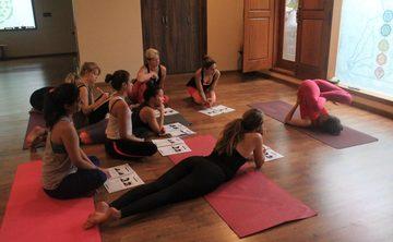 200H Ashtanga Vinyasa Yoga TEACHER TRAINING COURSE with Yoga Alliance USA and UK certification FOOD & ACCOMODATION, INCLUYED