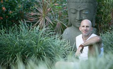 Hawaii Yoga Retreat in Paradise With Les Leventhal