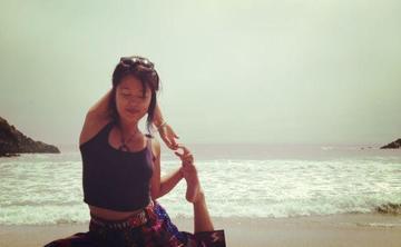 Beach yoga by Lotus Yoga