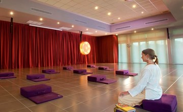 5 Day Luxury Meditation Retreat - Transform Your Life with Chakra Meditation (5 nights)