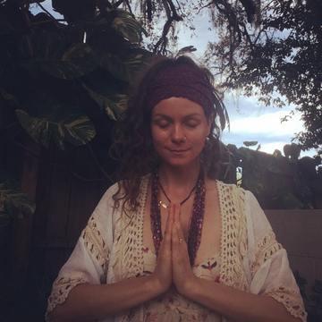 Nischalã Lindsay Johnson- Yoga Therapist, Facilitator, Light Worker