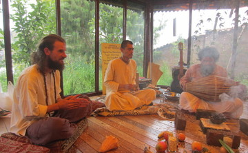 DIVINE AND SACRED YOGA TEACHER TRAINING 200h, 300h, CUSCO. PERÚ