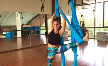 Aerial yoga teacher training and immersion