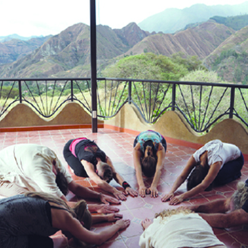 250/300 hr Tantric Hatha Yoga Teacher Training – Ecuador