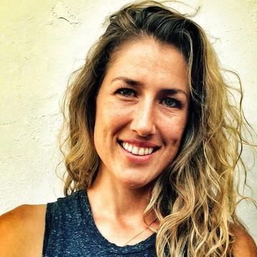 Andrea Neu Flores