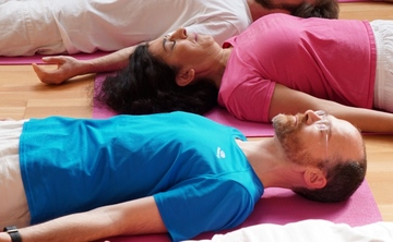 [en:]Healing Night – Yoga, Sleep and Dreaming[fr:]Nuit réparatrice – Le yoga du sommeil et des rêves[:]