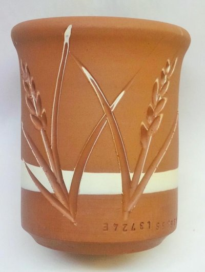 Double-slip layer incised decoration: A challenge in slip-body fitting