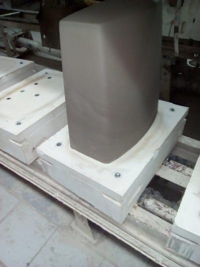 Over deflocculated slip causes instability in toilet tank