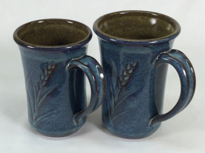 M390 mugs with Alberta Slip based glazes by Tony Hansen