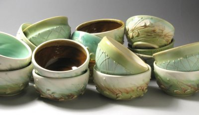 Bowls decorated with slip trailing