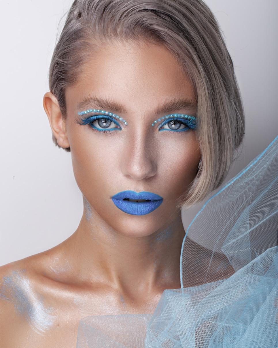 Winter-Radiant-Makeup-Looks-1