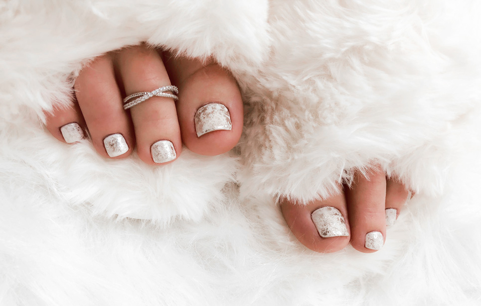 winter-ice-nails-tutorial-1